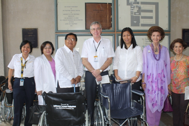 (L-R) Ms. Ditas Salayon—Employee Council Representative Lufthansa Technik Philippines, Dr. Ester Saguil— Chairman PGH Dept. of Out-Patient Services, Dr. Gregorio Alvior Jr.—Chairman & Past President PGHMFI, Mr. Gerald Frielinghaus—President & CEO Lufthansa Technik Philippines, Ms. Wayne Llegado— Manager Financial Accounting Lufthansa Technik Philippines, Mme. Lolita Escobar-Mirpuri—Corporate Secretary PGHMFI and Ms. Agnes Essem Perez—Treasurer PGHMFI